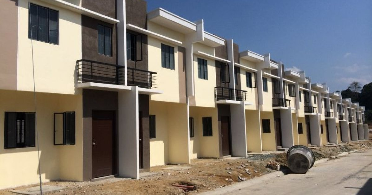 3 Bed Townhouse For Sale In Lugam Malolos 899 000 2255793 Dot Property