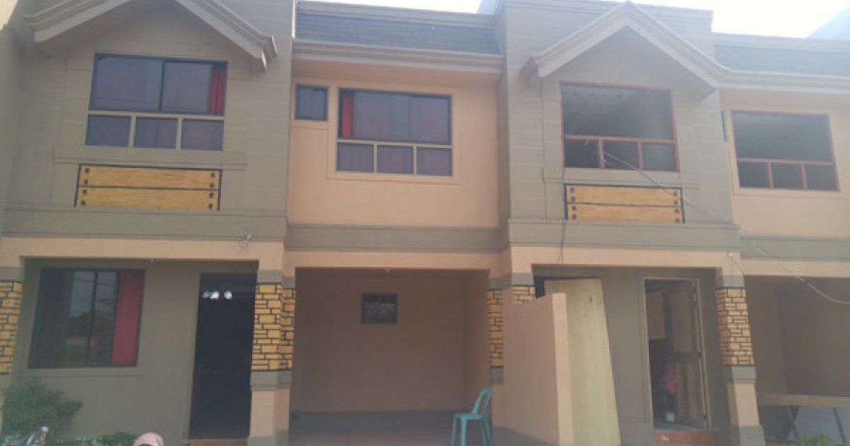 4 bed townhouse for sale in ugong valenzuela 3 180 000 for Four bedroom townhomes
