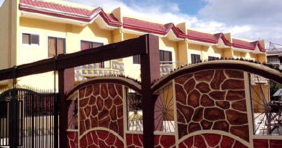 4 bed townhouse for sale rent in poblacion talisay