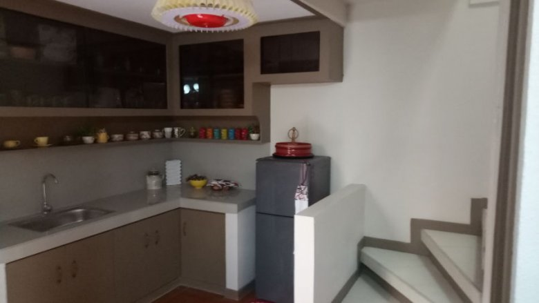 2 bedroom townhouse. 2 bedroom townhouse for sale near lrt-1 monumento