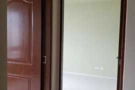 2 bedroom condo for rent in The Beacon