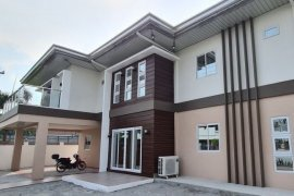 6 Bedroom House for rent in Amsic, Pampanga