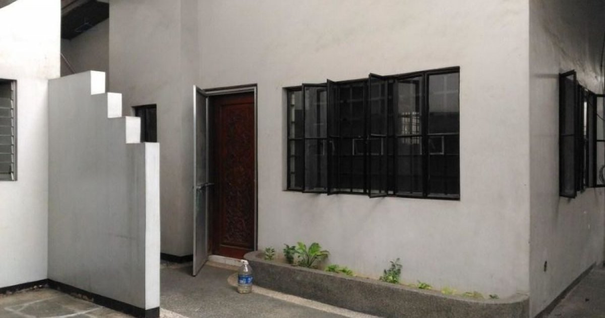 8 bed house for rent in diliman quezon city 90 000 for 8 bedroom house for rent