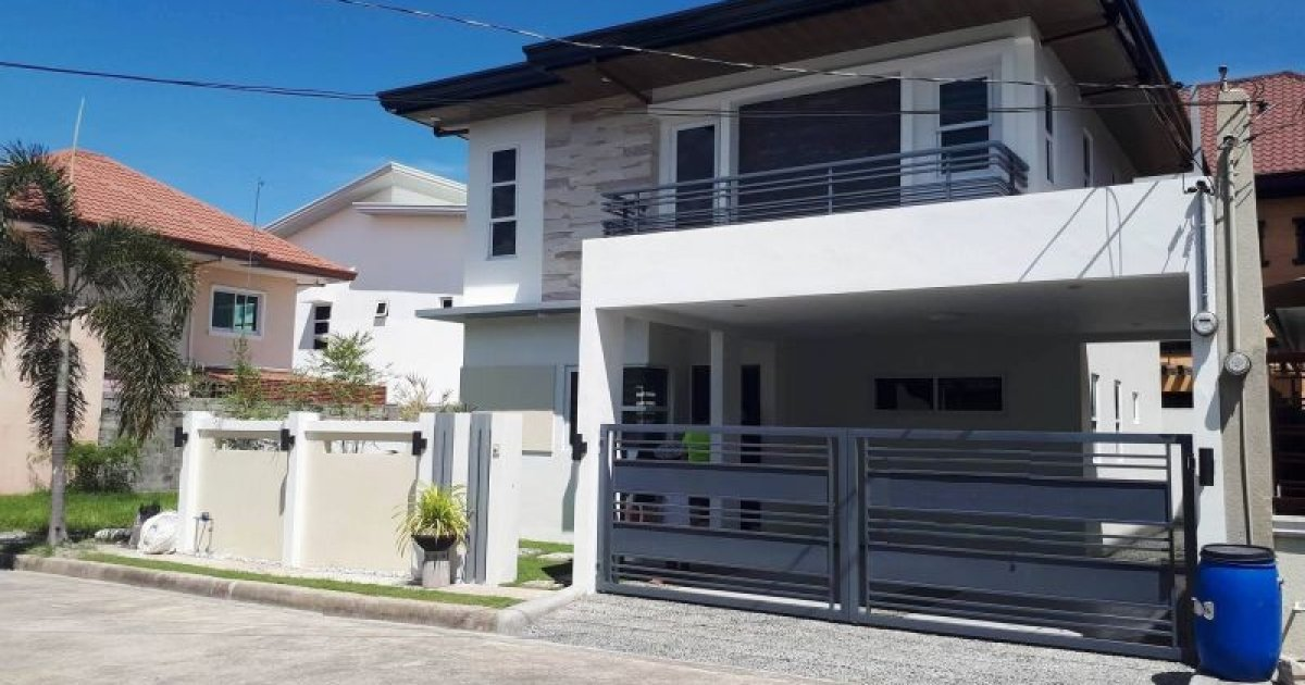 4 bed house for sale in amsic angeles 11 500 000 for Four bedroom house for sale