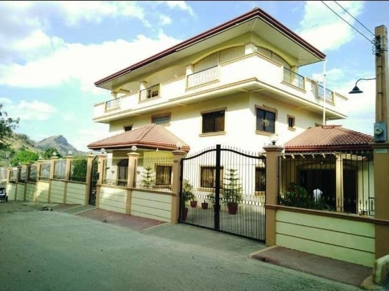 595sqm four storey house and lot for sale with 5 bedrooms in