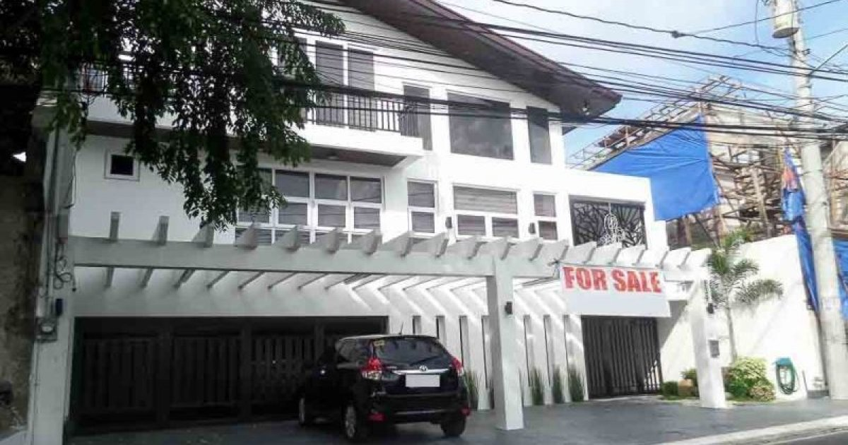 9 bed house for sale in b f homes dos para aque for 9 bedroom homes for sale