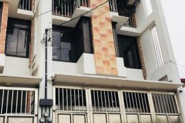 6 Bedroom House for sale in Diliman, Metro Manila