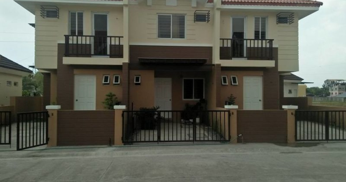 3 Bed Townhouse For Sale In Molino Iii Bacoor 2 887 695 1910238 Dot Property