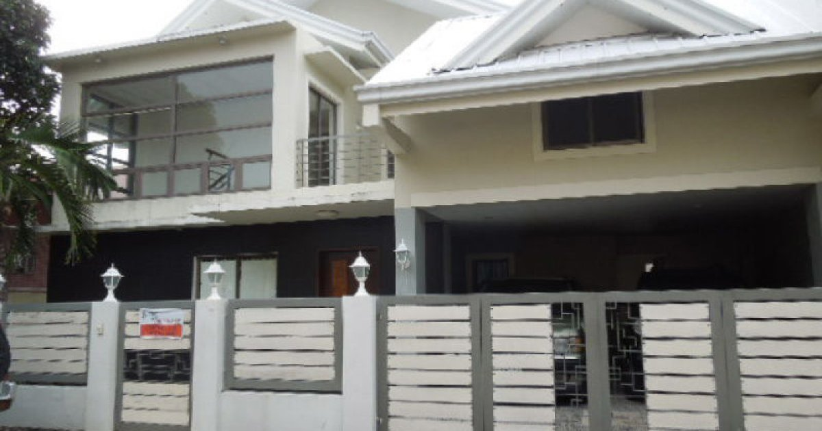 4 bed house for rent in para aque metro manila 80 000 for 9 bedroom house for rent
