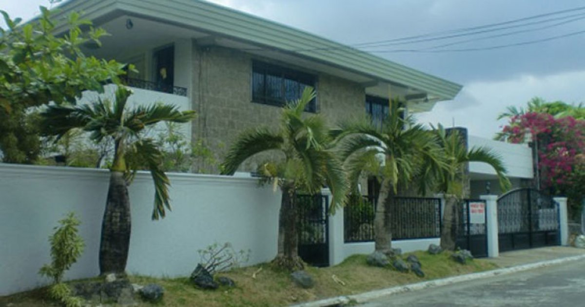 3 bed house for sale or rent in para aque metro manila for 8 bedroom house for sale