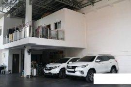 9 Bedroom House for sale in Commonwealth, Metro Manila