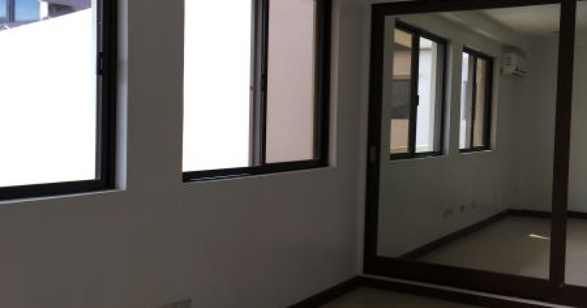 4 bed house for rent in mahogany place 80 000 2013139 for 4 room house for rent