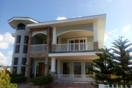 Houses for sale in tagaytay cavite dot property for Cheap 5 bedroom houses for sale