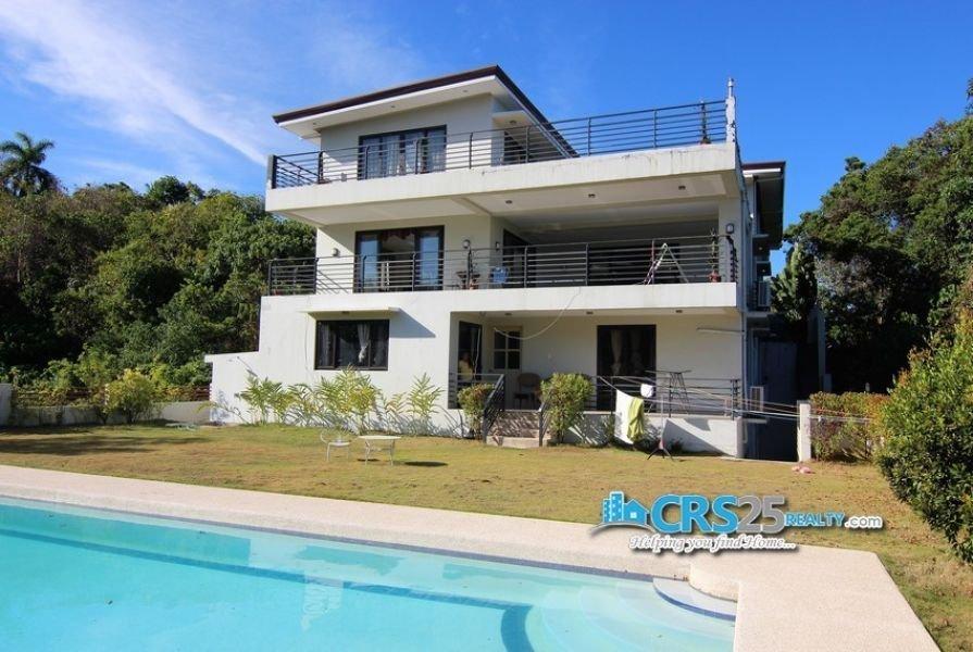 11 bedroom house with swimming pool in maria luisa cebu city