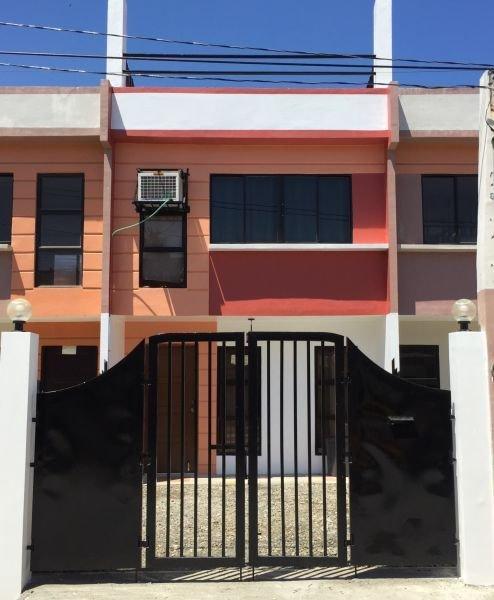 furnished house and lot, car park, 3 bedroom, 2 bathroom