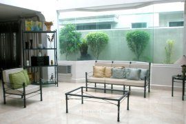 4 Bedroom House for Sale or Rent in Highway Hills, Metro Manila