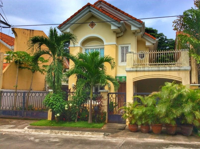 re-sale 180 sqm house & lot in havila, antipolo