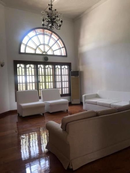 For-rent Metro Manila 5 Bedrooms House Swimming Pool