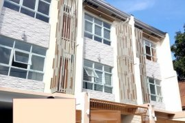 3 bedroom townhouse for sale in Roxas, Quezon City