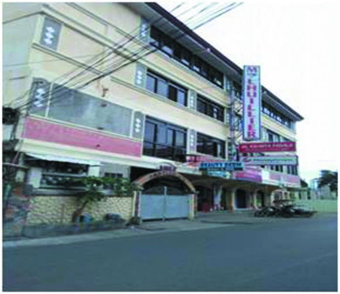 4 storey bldg with 12 rooms masinloc town proper zambales