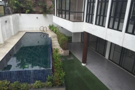 3 bedroom villa for rent in San Lorenzo, Makati