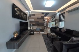 5 Bedroom House for sale in Diliman, Metro Manila
