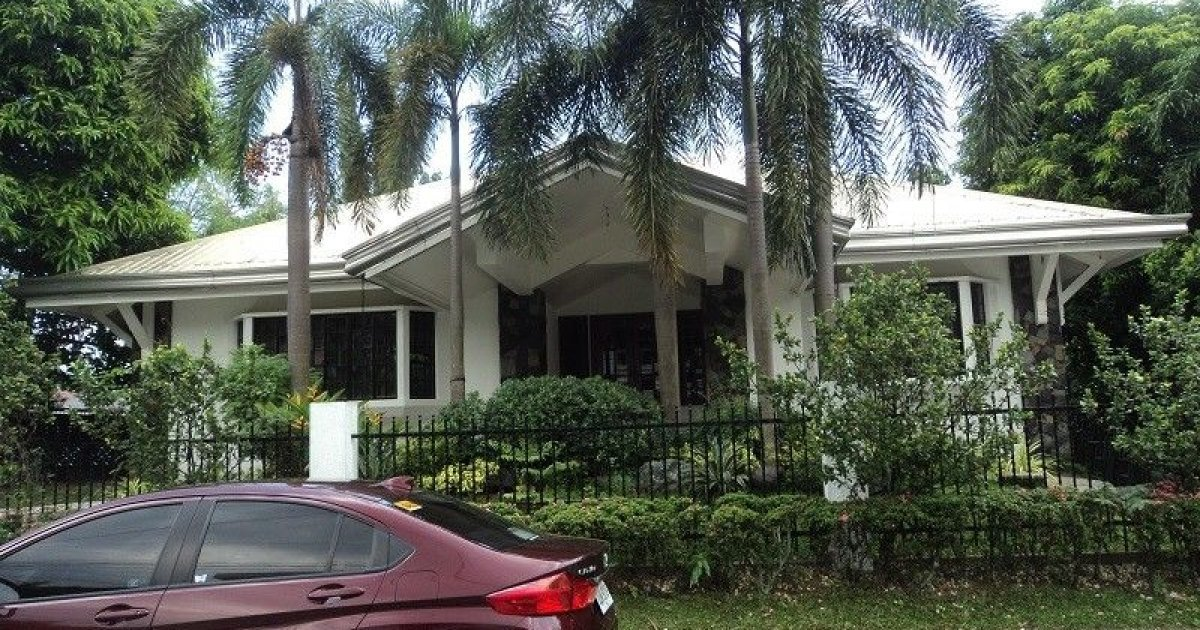 5 bed house for rent in libis quezon city 150 000 for Five bed house for rent