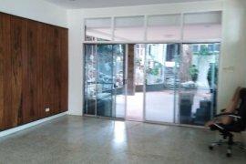 5 Bedroom House for rent in Kapitolyo, Metro Manila