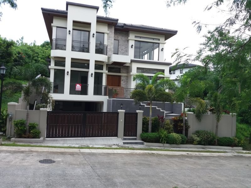 house & lot for sale with perfect environment to raise a fam