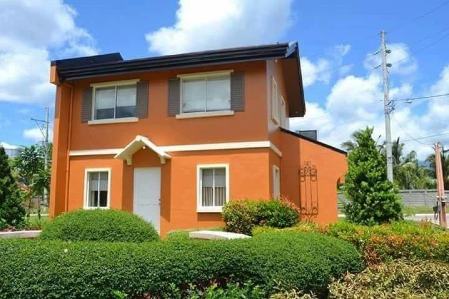 4 bedrooms house and lot located in the most desirable community in pili camarines sur
