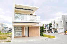 5 Bedroom House for sale in Quezon City, Metro Manila