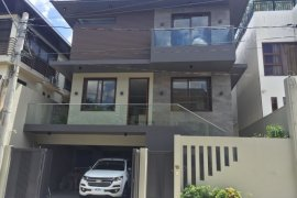 5 Bedroom House for sale in Matandang Balara, Metro Manila near MRT-3 Quezon Avenue