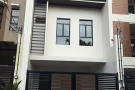 5 Bedroom Townhouse for sale in Pasong Tamo, Metro Manila near LRT-1 Roosevelt