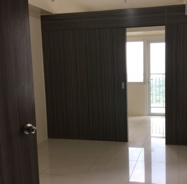 smdc green residences 1 br with balcony for sale