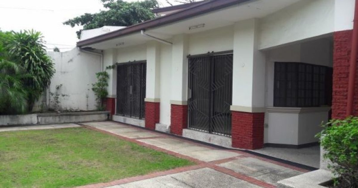 4 bed house for rent in b f homes uno para aque 50 000