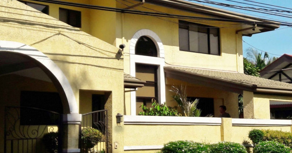4 bed house for rent in b f homes uno para aque 75 000 for 4 room house for rent
