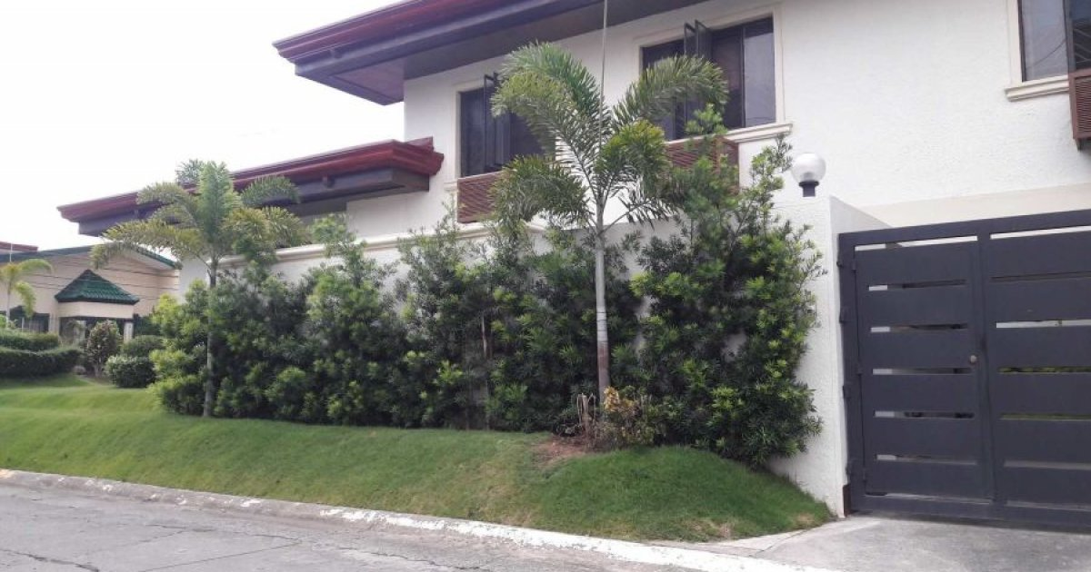 4 bed house for rent in b f homes uno para aque 50 000 for 4 room house for rent