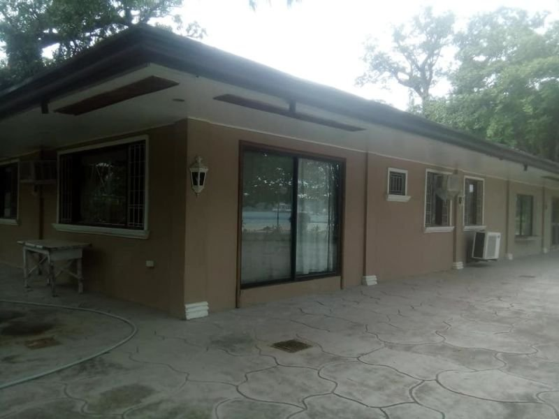 house and lot-beach front commercial residential in subic zambales for only php 22 million negotiable