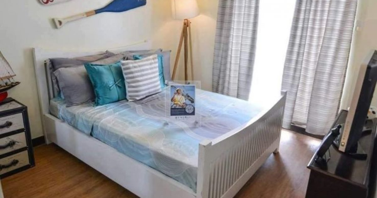 Robinsons Bed Sale
