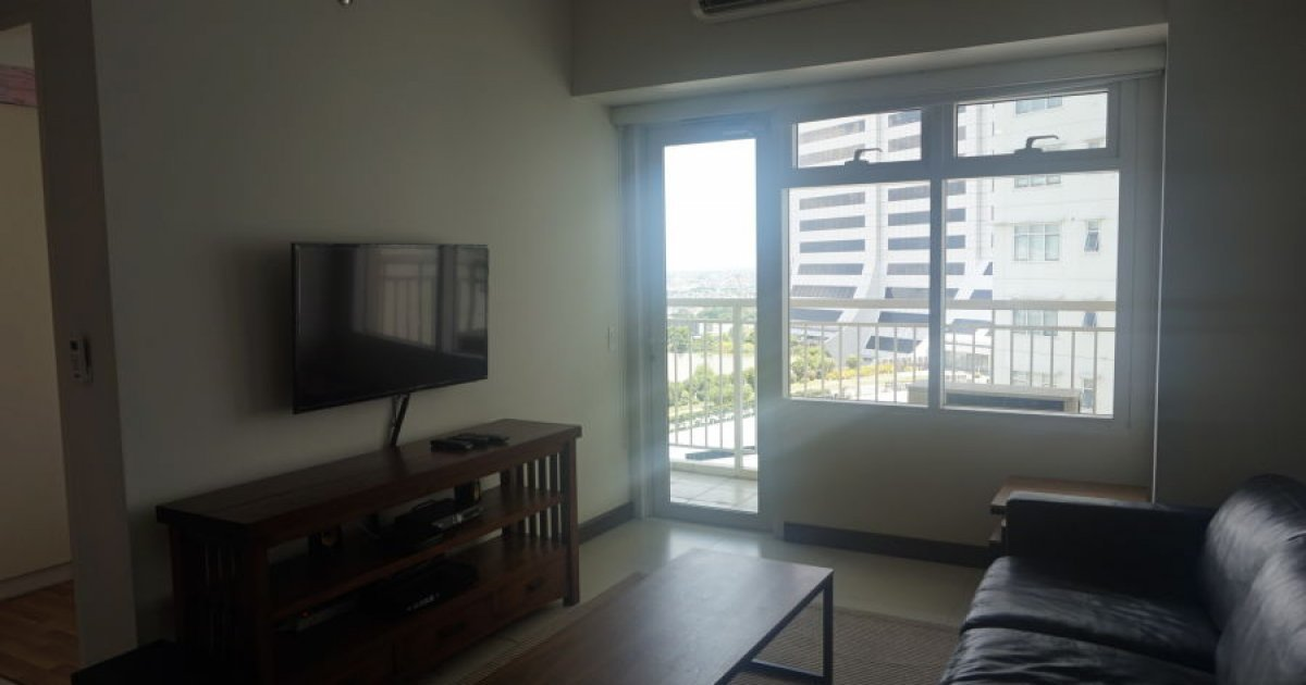 2 bed condo for rent in aston at two serendra 90 000 for I bedroom condo for rent