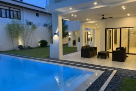 5 Bedroom House for Sale or Rent in Alabang, Metro Manila