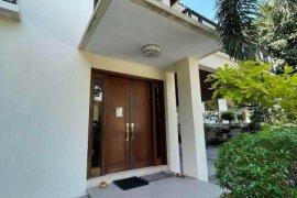 4 Bedroom House for sale in Bel-Air, Metro Manila