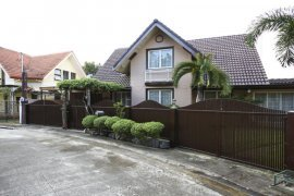 5 Bedroom House for rent in Don Jose, Laguna
