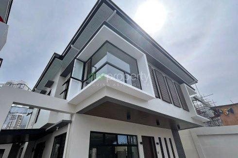 5 Bedroom House for sale in Don Bosco, Metro Manila