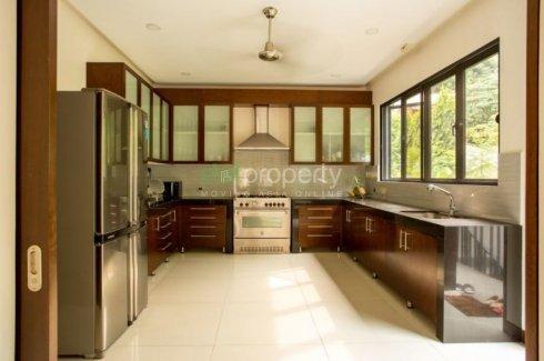 5 Bedroom House For In Banilad Cebu