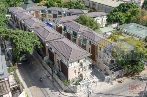 5 Bedroom House for sale in Mariana, Metro Manila near LRT-2 Gilmore