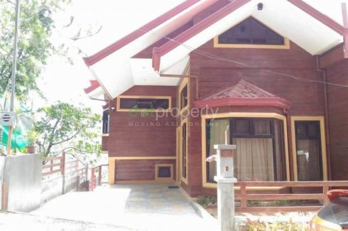 Duplex house and lot in baguio w attic house for sale for Houses for sale with attic room