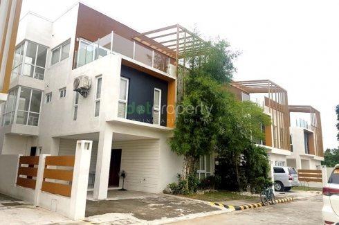 4 Bedroom House For In Commonwealth Metro Manila