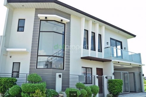 4 br modern design house and lot greenwoods pasig house for sale rh dotproperty com ph triangular lot house design narrow house lot designs