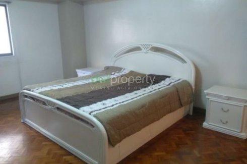 2 Bedroom Condo for rent in San Lorenzo, Metro Manila near MRT-3 Ayala